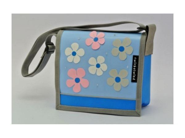Kindergartentasche Cwirbelwind Blumen hellblau
