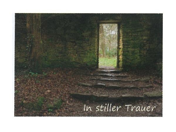Trauerkarte Art Bula 12,2x17,5cm Steinmauer mit Tür im Wald