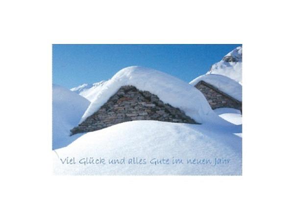 Neujahrskarte Art Bula 12,2x17,5cm, verschneite Berghütten aus Stein bei klarem Himmel, Doppelkarte mit bedrucktem Einlageblatt, inkl. weissem Couvert mit Spitzklappe