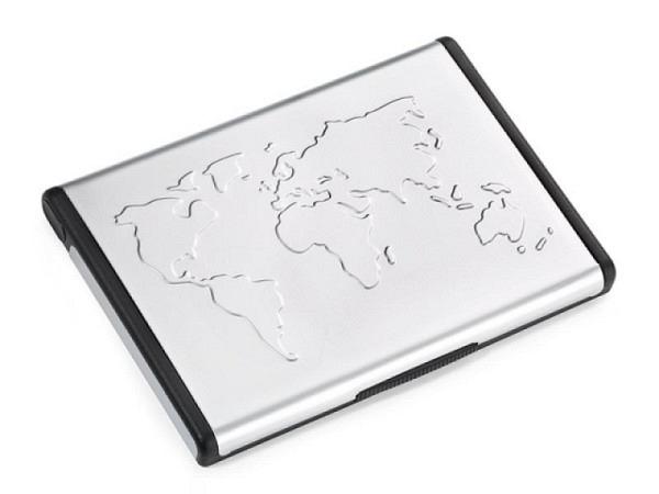 Visitenkartenetui Troika Mr. Slowhand Aluminium Weltkarten-Relief