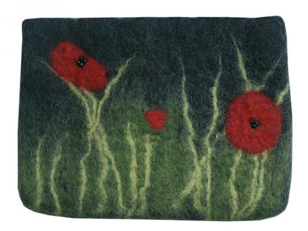 Tasche Naturstyle Wiese 17,5x13cm, grün/weiss/rot Geschenktasche aus Filz mit Blumen auf der Wiese, Reissverschluss schwarz