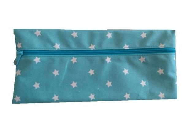 Tasche für Schutzmaske aus Wachstuch, hellblau mit Sternen