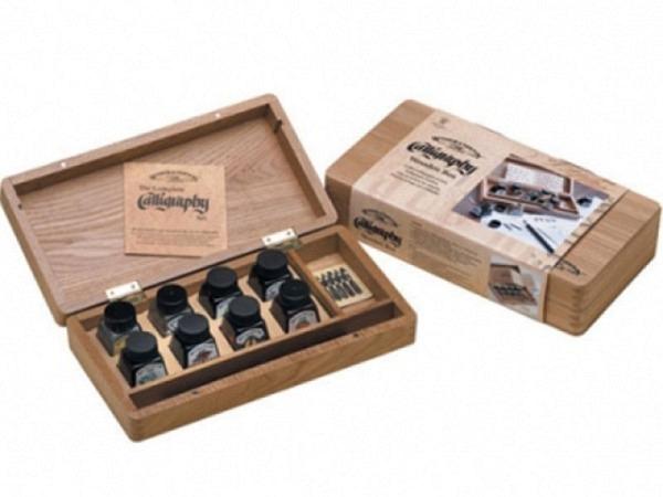 Tusche Winsor Newton Calligraphy-Set im Holzkasten