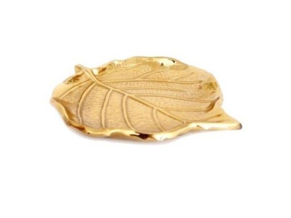 Schatulle India aus Holz T5xH5,5xB13cm, ganze Truhe ist mit goldfarbenem Messing �berzogen und mit Ornamenten verziert, Mettallklappverschluss, geeignet als Geschenktruhe oder zur Aufbewahrung von Kleinigkeiten