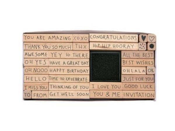 Stempel PaperPoetry Set Texte auf Englisch, mit 32 Holzstempeln mit verschiedenen Texten