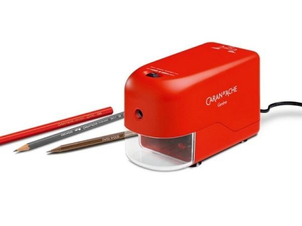 Spitzmaschine Caran d'Ache rot elektrisch