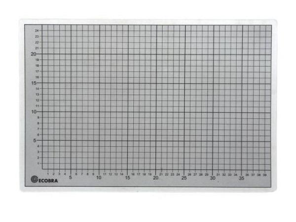Schneidmatte Ecobra transparent 45x60cm 3mm dick, mit schwarzem Raster in 10mm und 50mm-Abständen. S