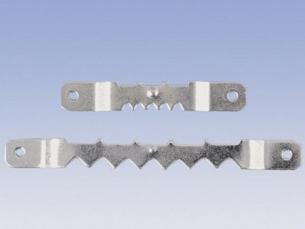 Bilderhaken Zackenaufhänger mit 5 Einbuchtungen auf der einen und drei grossen Abteilungen auf der anderen Seite, chromfarben, in der Mitte abstehend, 1Stk., 48x7mm, stabile Ausführung zum Anschrauben oder Annageln an die Rahmenleiste. Durch die Aufh